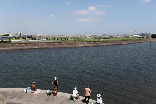 駒沢公園~多摩サイ羽田まで54キロ昼間は暑い