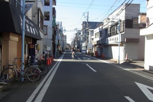 川崎大師へ向かう商店街